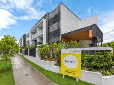 New Designer Apartment - Penthouse level, Generous Floorplan & More