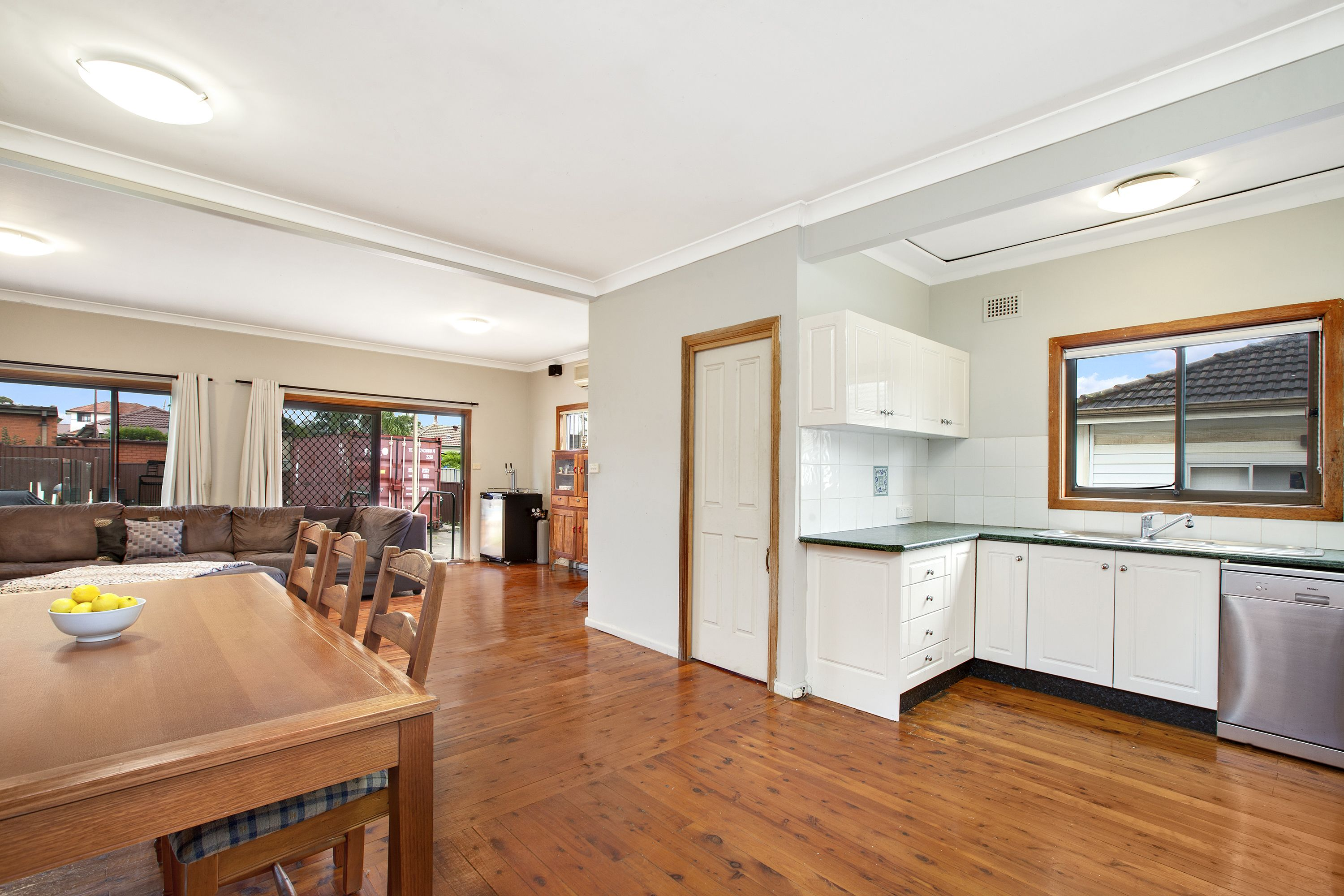6 Leach Road Guildford West 2161
