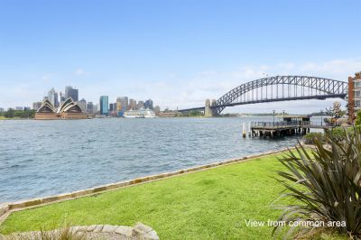 Immaculate Apartment in Exclusive Harbourside Setting