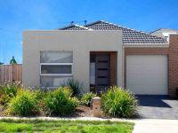 Bright Corner Living in Featherbrook Estate