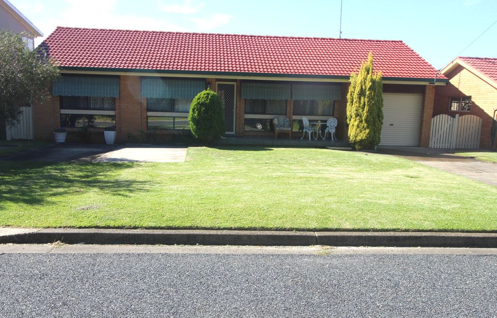 12 Pioneer St, NORTH HAVEN NSW 2443