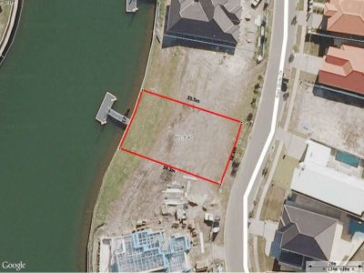 Rare Waterfront Duplex Block with DA Approval