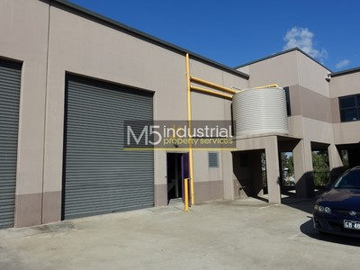 220sqm - Modern Warehouse & Large Office Space