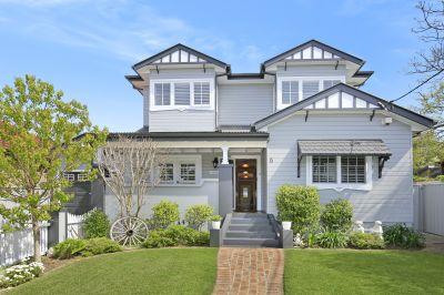 Beautiful Hampton Style Residence
