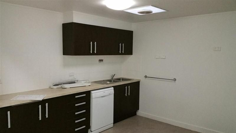AFFORDABLE RENT WITH THREE CAR PARKS