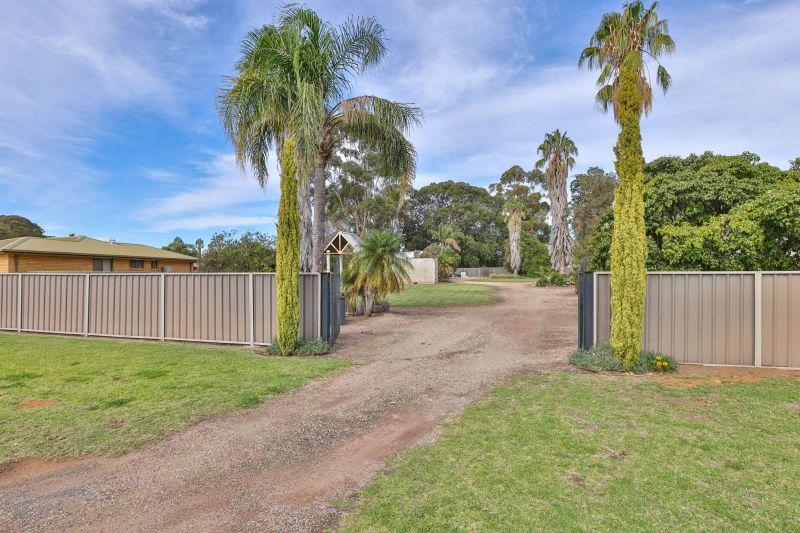 For Sale By Owner: 155 Turandurey Street, Balranald, NSW 2715