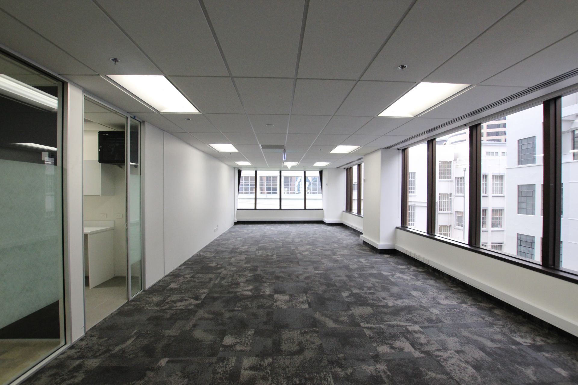 A - Grade on Queen with Existing Fitout