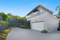 High Quality Brand New Freestanding Townhouse