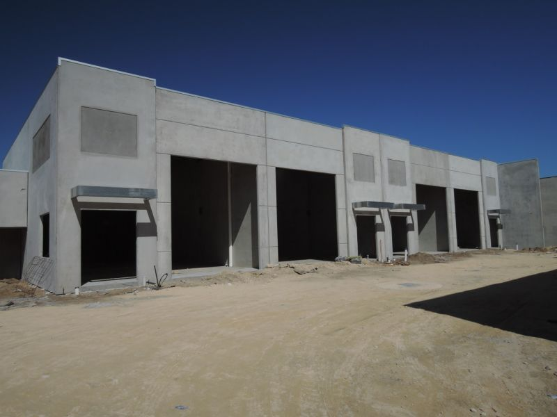 New Office/Showroom  Warehouse  in Cockburn Central