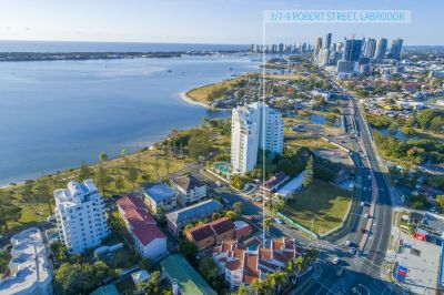 Broadwater Living, Fully Furnished Renovated Unit, Huge Balcony, Rental Income $465pw