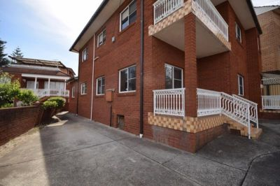 Spacious 2 Bedroom Duplex Ready to Move in - Great Location