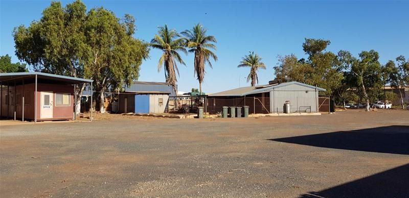 Yard, shed, offices and accommodation