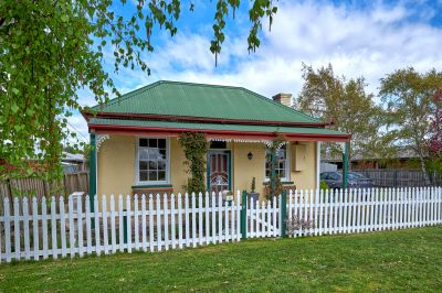 Cute 1860s Brick Cottage