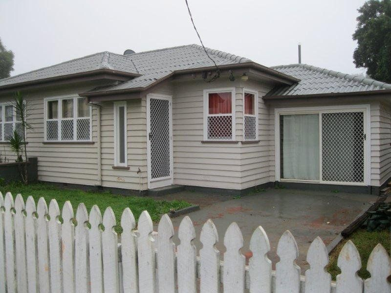 Duplex - Rental Income $475/Week