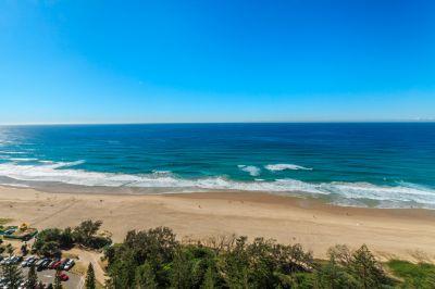 Stunning Beachfront 2bed with Panoramic views