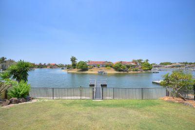Resort-like Waterfront with Pool, Beach and Pontoon