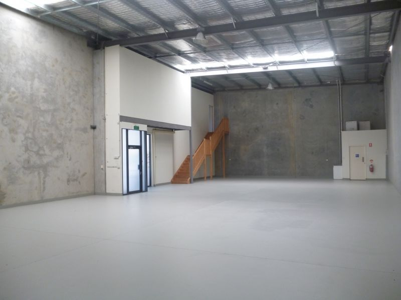 398m2* Warehouse