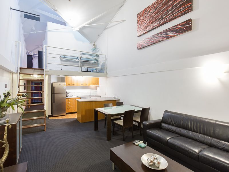 Fully Furnished Woolstore Apartment By the River>