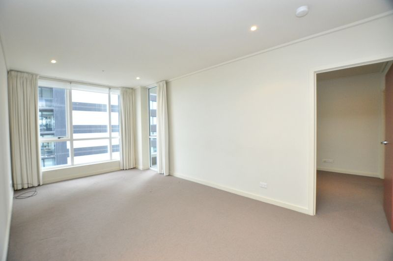 Spacious Two Bedroom Apartment in Stylish Southbank!