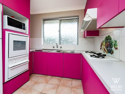 Hot PINK kitchen in a HOT location!!