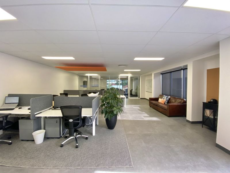 Modern Contemporary Office With 9 Car Parks