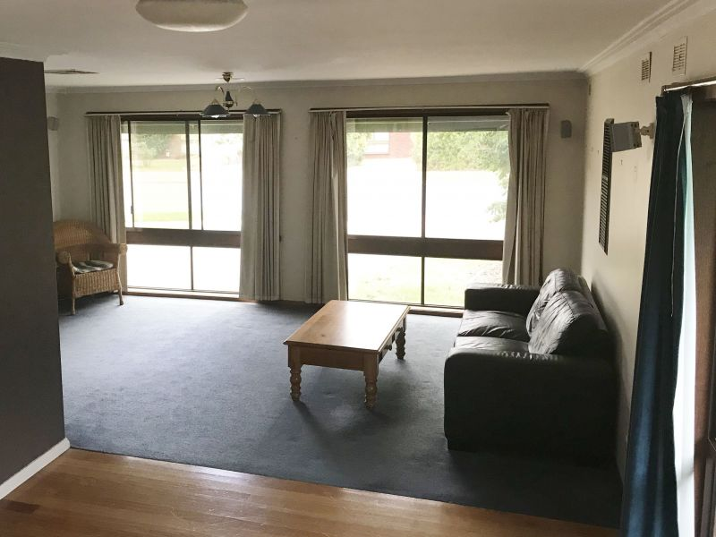 For Sale By Owner: 21 Lachlan Crescent, Shepparton, VIC 3630
