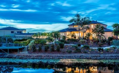 EXCEPTIONAL WATERFRONT LIFESTYLE