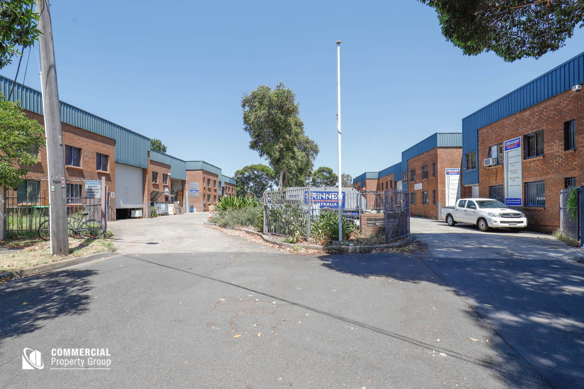LEASED BY DAMEN ASTEY & HAYDEN BENNETT - Office & Warehouse - Vertistle Business Premises