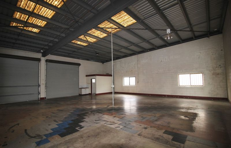 225 m2 Warehouse Close To CBD