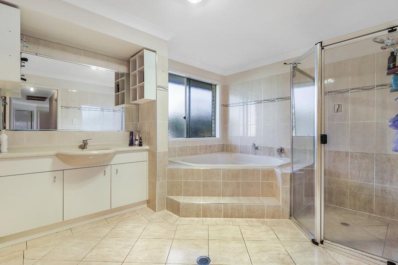 For Sale By Owner: 37 Everest St, Warner, QLD 4500