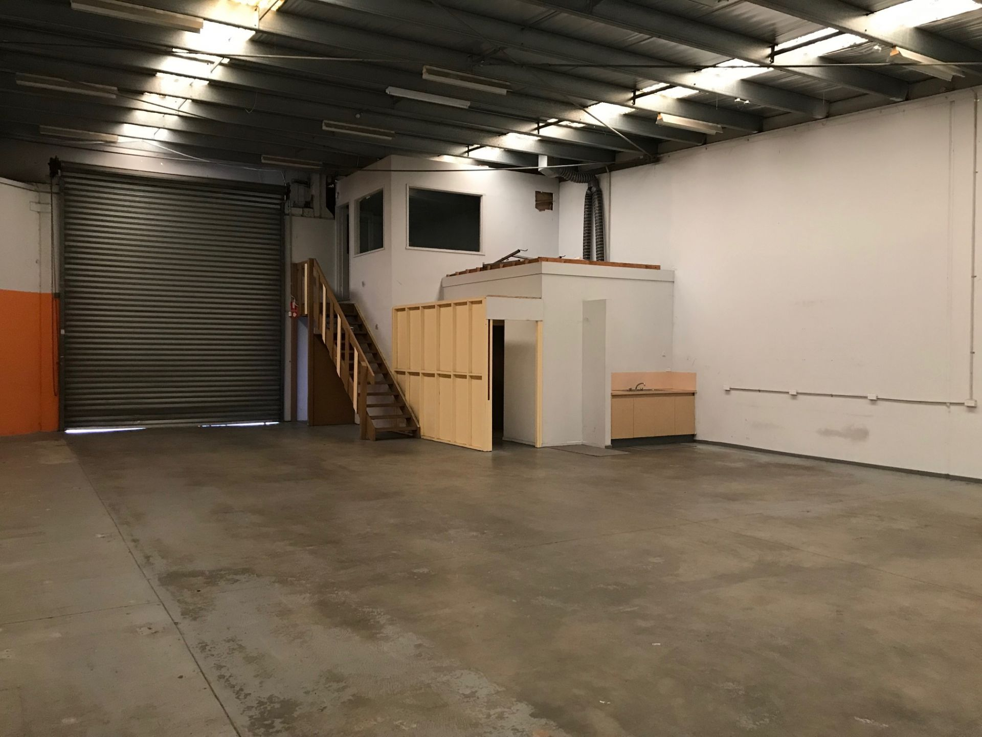 WAREHOUSE/ OFFICE CORNER POSITION