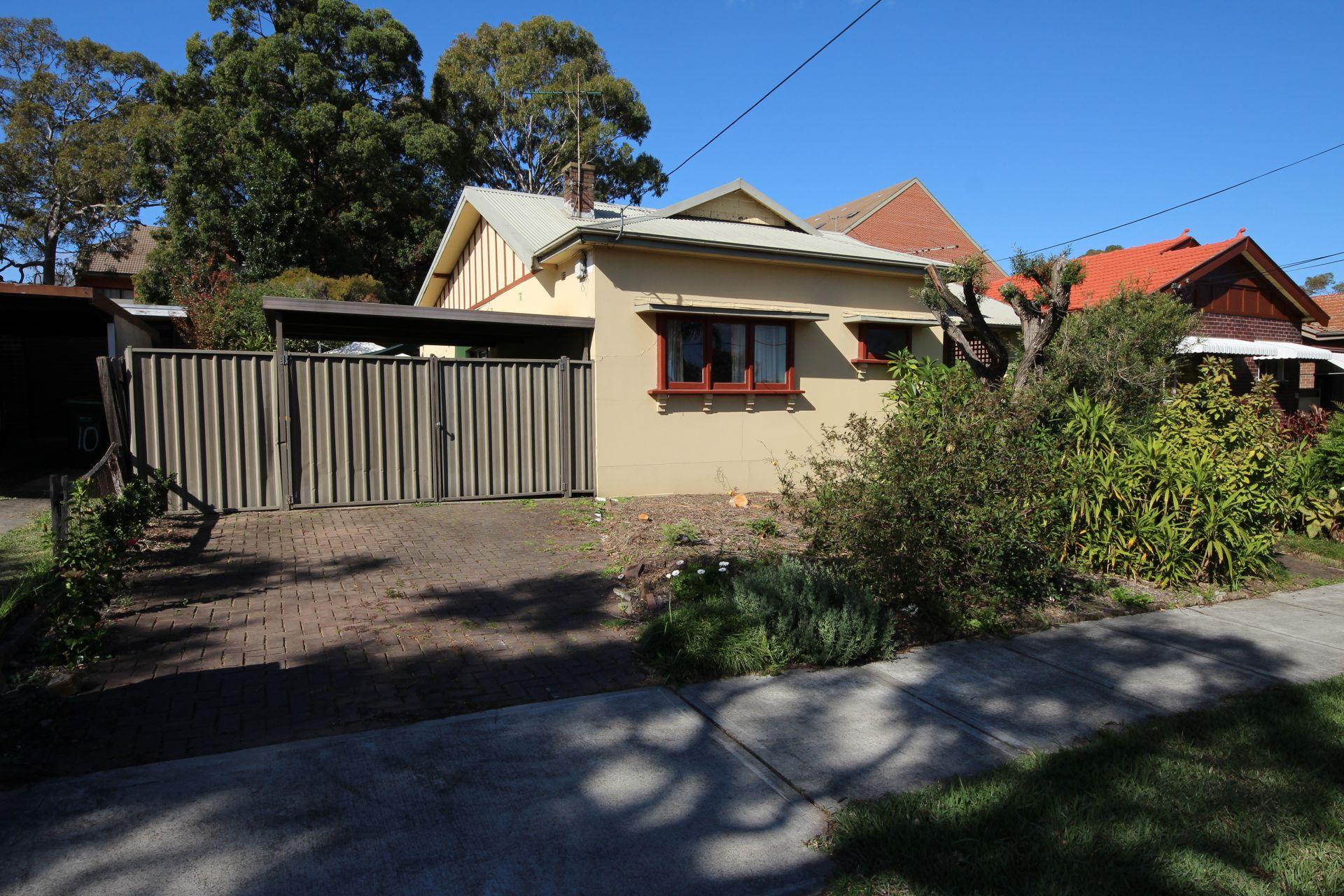 12 Derowie Avenue, Homebush NSW