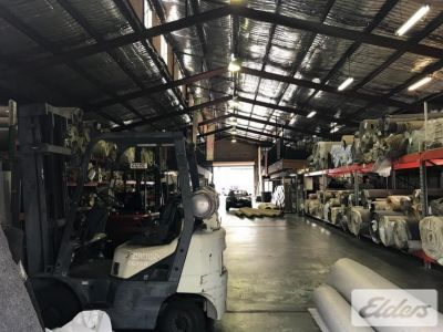 HIGHLY EXPOSED INNER CITY WAREHOUSE OPPORTUNITY!