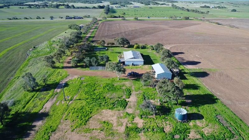 For Sale By Owner: 34493 Brand Highway, Greenough, WA 6532