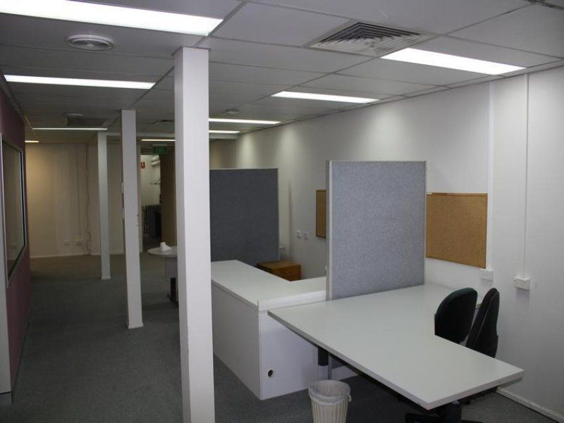 Woolloongabba- Cheap Offices for Lease Short Term 302m2- $2,500p/m + GST