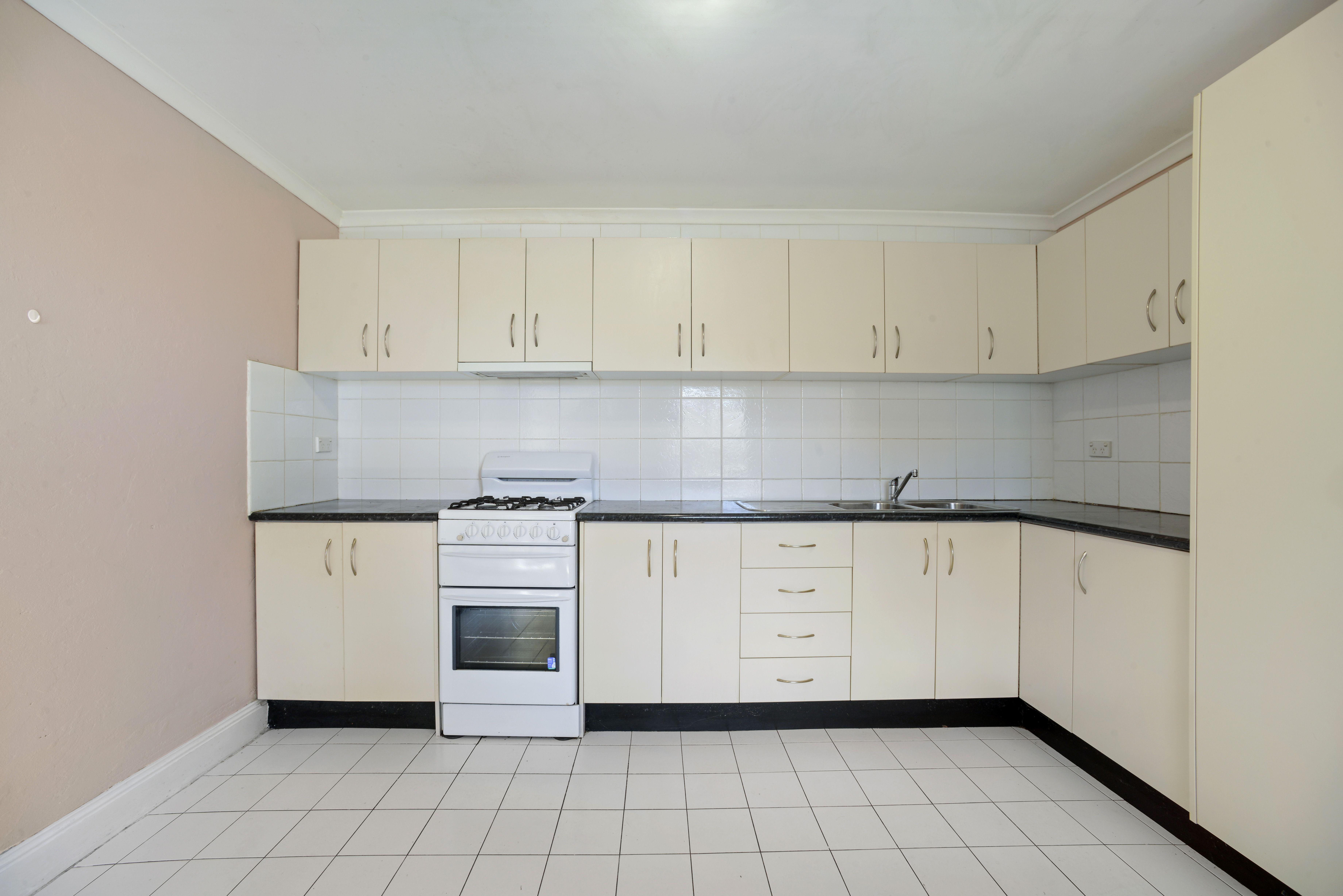 52 The Avenue, Granville NSW 2142
