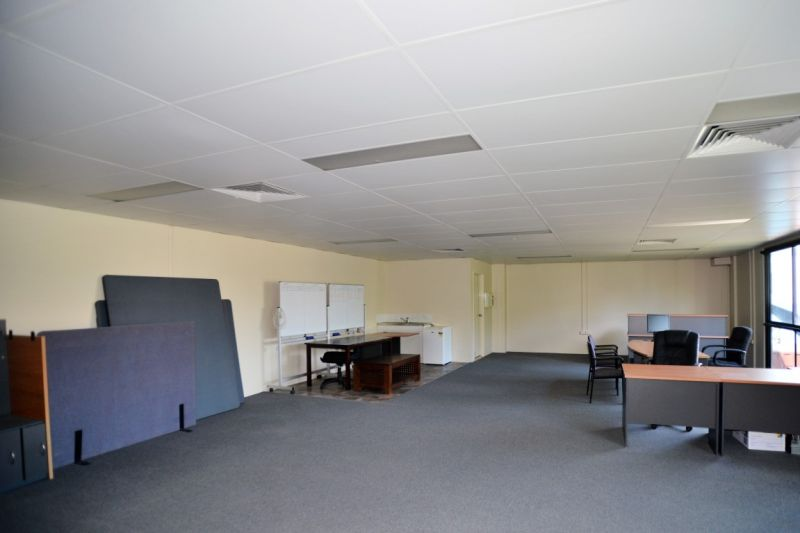 125sqm Well Presented Office Suite