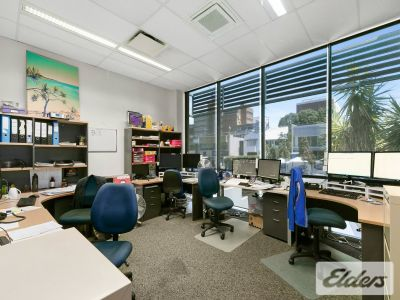 FREESTANDING OFFICE WITH 12 CAR PARKS!