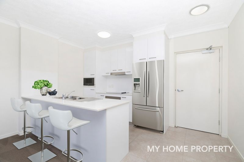 SAME DAY INSPECTIONS AVAILABLE - HUGE PRIVATE COURTYARD