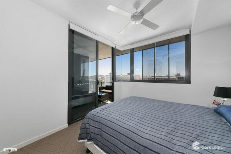 Modern Boutique Complex with Amazing City Views!
