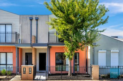 Low Maintenance Lifestyle, In Central Caroline Springs!