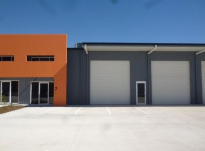 INDUSTRIAL UNIT - 3 MONTHS RENT FREE