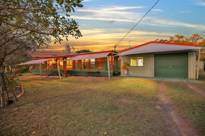 UNREAL ACREAGE PACKAGE – POOL, SOLAR, BORE, HUGE OUTDOOR PAD, TEENAGERS RETREAT + HEAPS OF SHED SPACE….