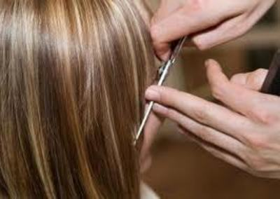Hair and beauty salon for a low rent in the south east – Ref: 0184