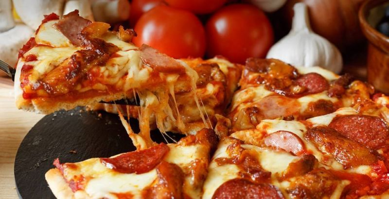 Pedro's Pizza  North Cairns For Sale