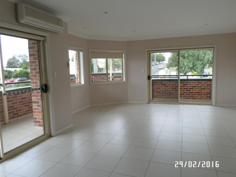 Centrally Located, Spacious 3 Bedroom Apartment