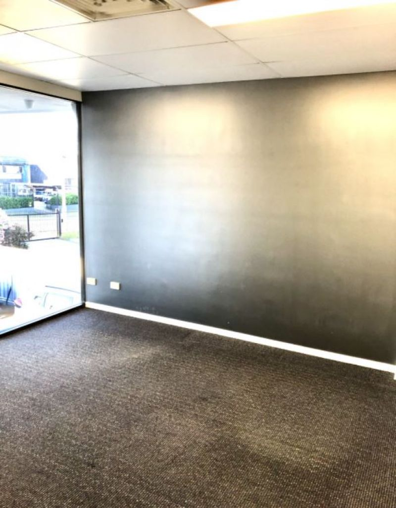 Office / Showroom / Warehouse in Slacks Creek 240m2*