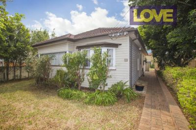 Perfect Home for Students or Families -  Offers over $450 per week
