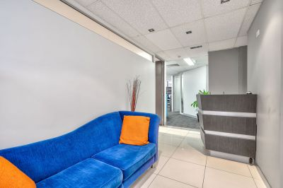 FULLY FITTED OFFICE - ABSOLUTE CBD FRINGE!
