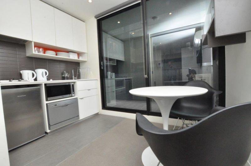 508 253 franklin street melbourne vic for Furnished studio rent melbourne